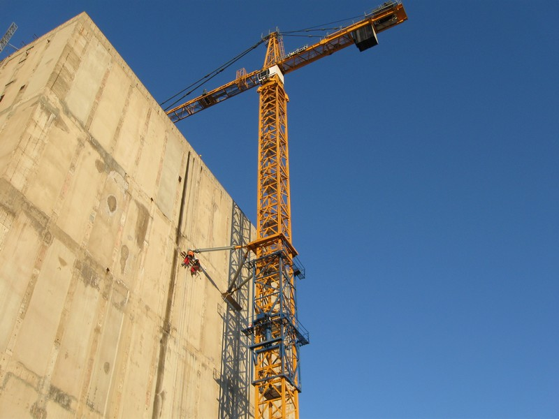Liebherr 630 Ec H25 Litronic In The Completion Of Nuclear